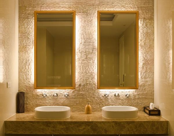 Rodzaje luster łazienkowych