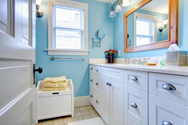 Jak tanio wyposażyć łazienkę?