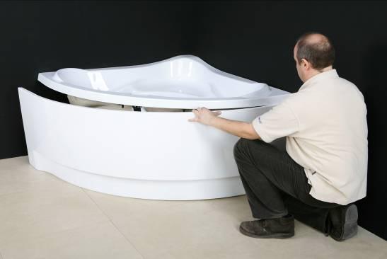 montaż wanny akrylowej