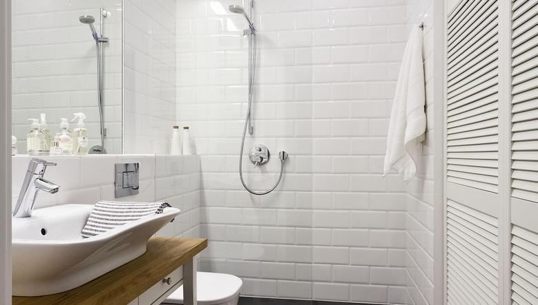 Białe meble do łazienki – czy nadal na czasie?