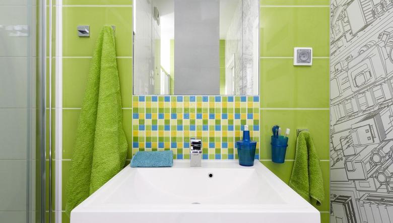 Kolorowa łazienka, czyli jak ożywić wnętrze?