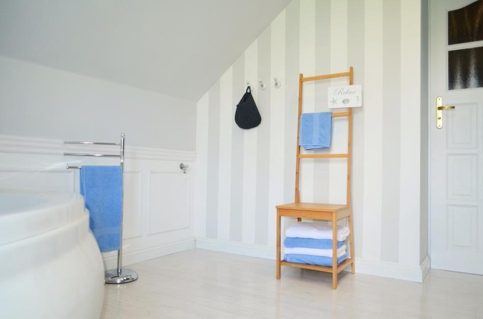 krzesło w łazience